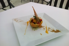 Snack_de_mesclun_de_salade_en_coque_de_parmesan-resize